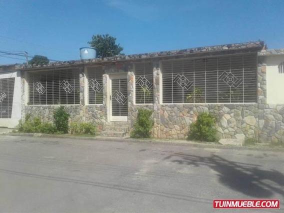 Casas En Venta Santa Ines Valencia Carabobo 19-680 Prr