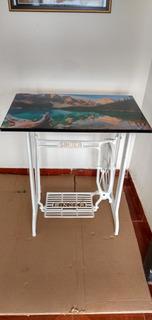 Antigua Base De Máquina Singer Con Retablo Decorativa