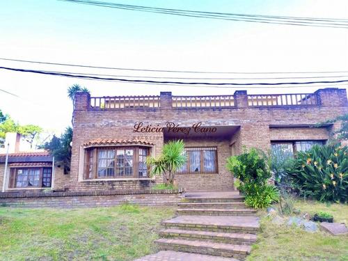 Venta Casa 5 Dormitorios , Playa Mansa- Ref: 19533