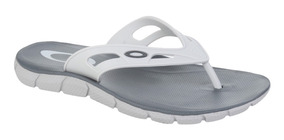 Chinelo Oakley Operative 3.0