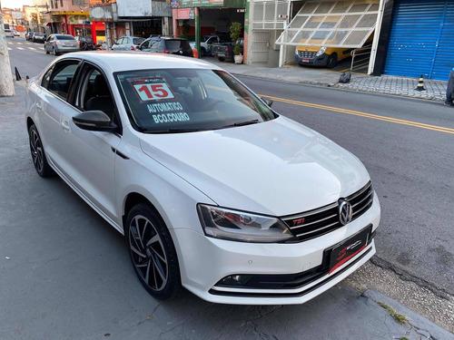 Volkswagen Jetta 2015 2.0 Tsi Highline 4p