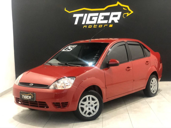 Ford Fiesta 1.6 Sedan 2005 - 90.000km