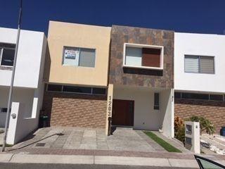 Casa Venta En Condesa Juriquilla