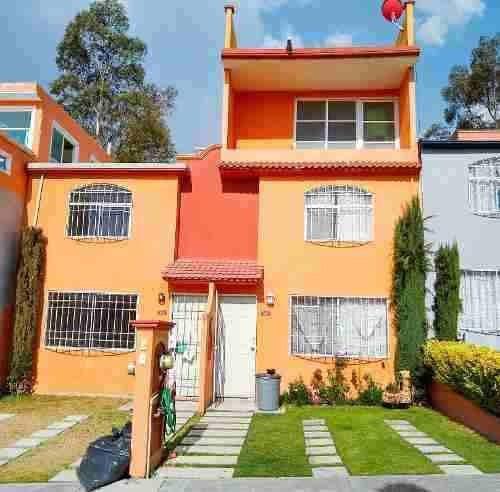 $1,180,000 Casa 3 Niveles, Real Del Bosque Tultitlán,