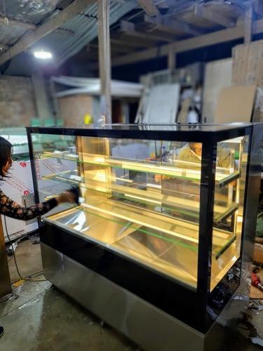 Exhibidora De Tortas Modelo Cuadrada Especial