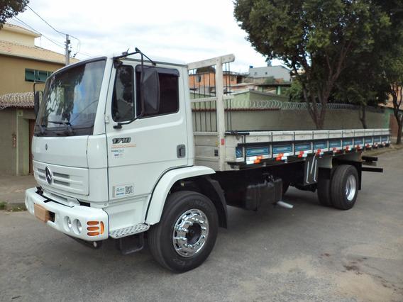 Caminhão Mb 1718 2011/2011 Carroceria