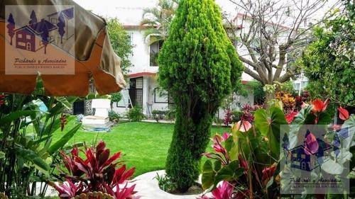 Venta De Casa En Condominio En Jardines De Cuernavaca