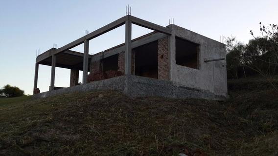 Casa En Construcción - Lugar Único En Paraná- Cancha De Golf