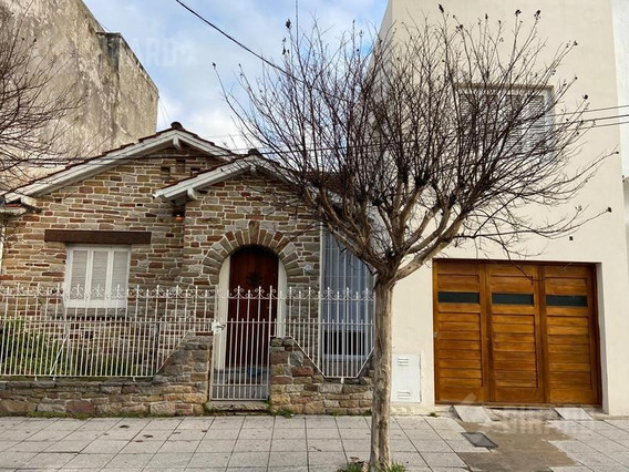 Casa En Venta, Zona Guemes.