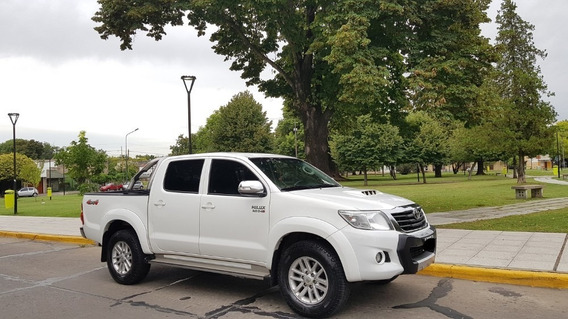 Toyota Hilux 3.0 Cd Srv Cuero 171cv 4x4 2014