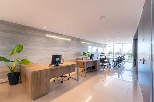 Centro / Oficina  De Categoria En Alquiler/ Piso De 190m2