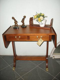 Mesa Escrivaninha De Abrir Em Jacaranda E Pes Em Bronze