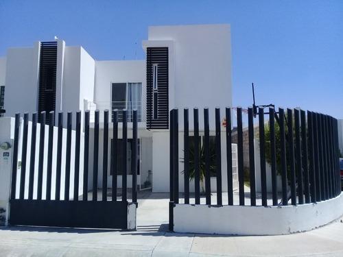 Casa En Renta Santa Barbara Zona Industrial