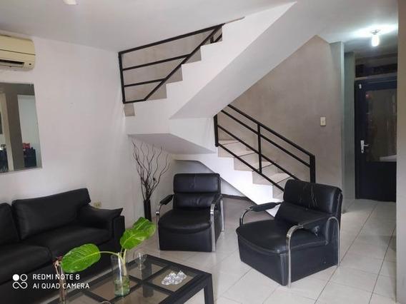 Casa En Venta La Piedad Norte Cabudare 21-7018 A&y