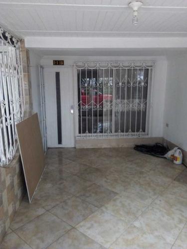 Venta De Casa En Palmeras Del Norte, Cali 2281.