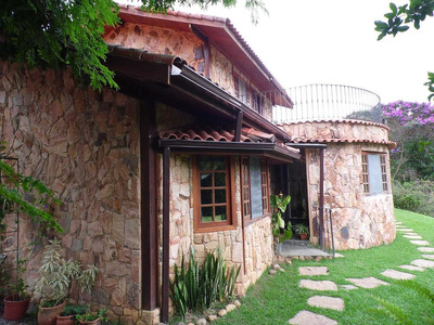 Casa Com Linda Vista, Terreno 3072m² Gramados E Ajardinados! - G4777