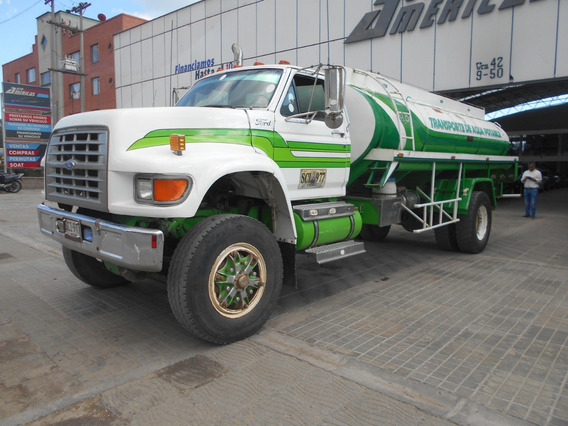 Camion Ford Tanque