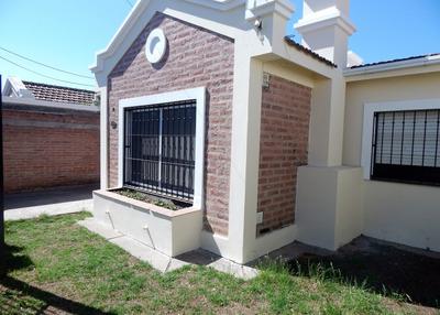 Excelente Casa En Venta - Grand Bourg - 3 Dormitorios - Avenida Lacroze