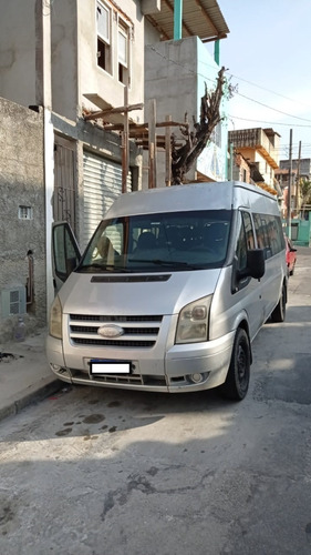 Veículo Ford Transit 350l Bus