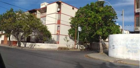 Apartamento En Urbanización Los Chaimas