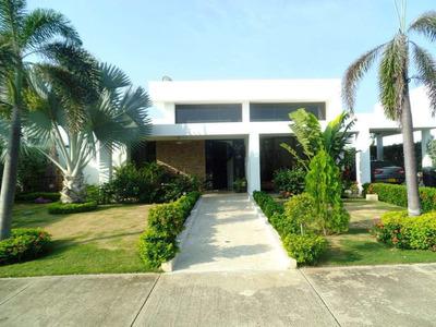Hemosa Casa En Zona Norte - Cartagena - Colombia