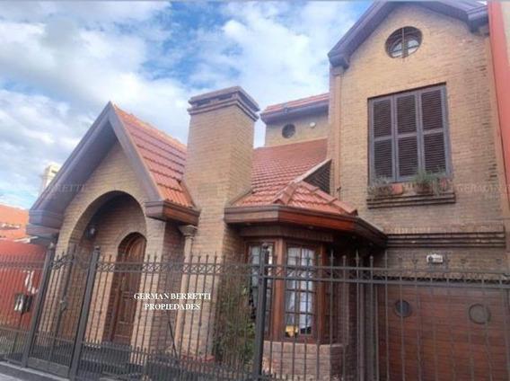 Casa En Alquiler Ubicado En Bernal, Quilmes