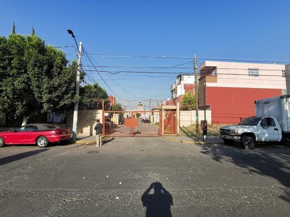 Casa En Av. San Francisco, Col. Los Heróes, Coacalco