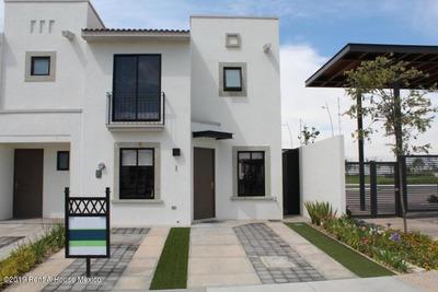 Casa En Renta En El Mirador # 19-2217