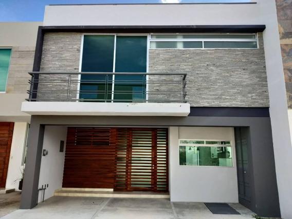 Excelente Casa En Solares