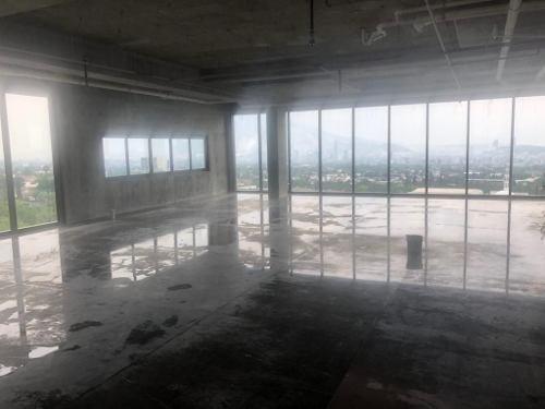 Oficina En Venta Plaza Kerkus San Pedro