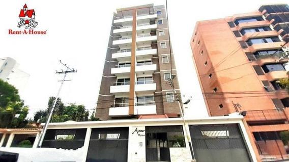 Apartamento En Venta En El Bosque Maracay Dvm 20-20578