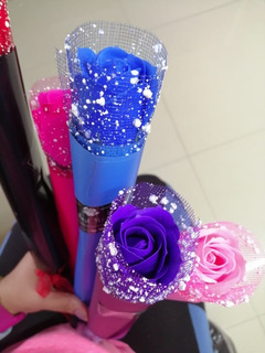 Lote De 30 Rosas De Colores Con Lustrina Flor De Jabon