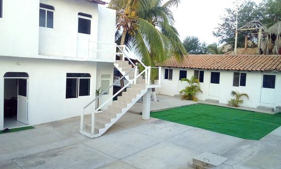 Casa/hostal En Venta A Media Cuadra De Playa Zicatela