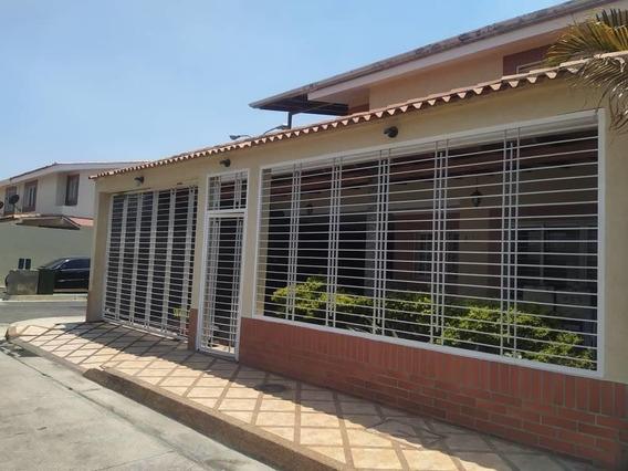 Quinta En Venta Los Girasoles, Av Aragua 20-17436 Hcc