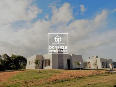 Casa En Venta A Estrenar En Punta Colorada, Piriápolis