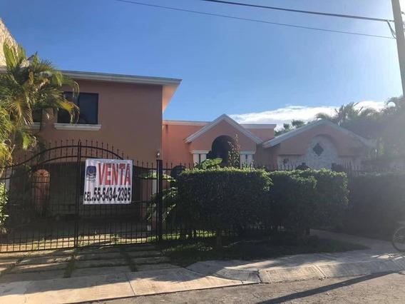 Casa De Un Piso Con Departamento Independiente