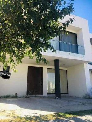 Moderna Casa En Venta En Mayorazgo Residencial, León Gto