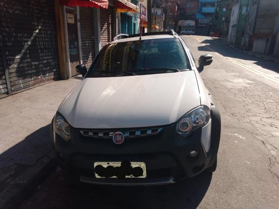 Fiat Strada 1.8 16v Adventure Cab. Dupla Flex 3p 2016