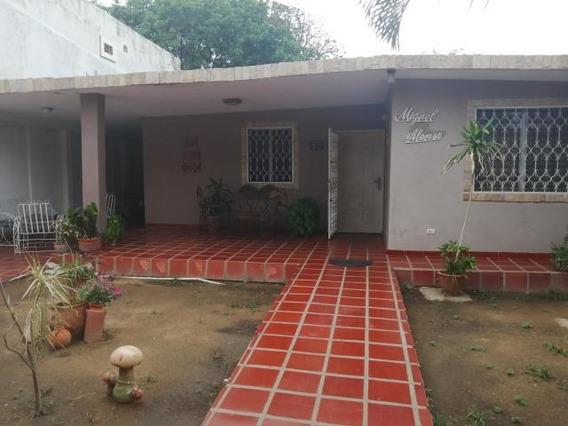 Casa En Venta. Morvalys Morales Mls #20-2590