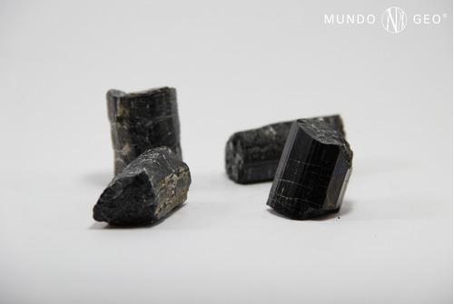 Imagen 1 de 4 de Piedra Turmalina Negra En Bruto Nro. 5