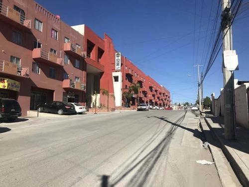 Plaza Comercial: Plaza Cumbres , Col. Ejido Francisco Villa, Tijuana
