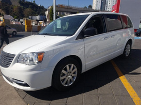 Chrysler Town & Country 2016 Financiada O Contado