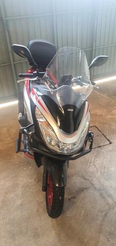 Imagem 1 de 5 de Honda Pcx Sport
