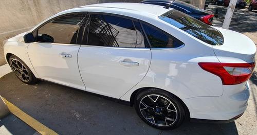 Imagem 1 de 10 de Ford Focus Sedan Titanium