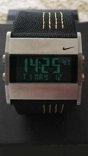 Reloj Nike Oregón Negro Y Amarillo Muy Buen Estado!