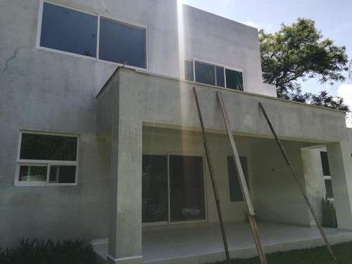 Casa Sola En Venta Fracc Pedregal De Las Fuentes
