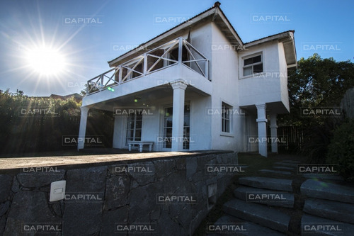 Casa Frente A Parador Mantra Bagatelle- Ref: 25405