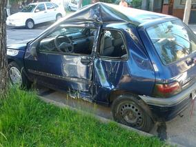 Renault Clio Chocado 99 Motor 1.6 Funcionando Full $39.000