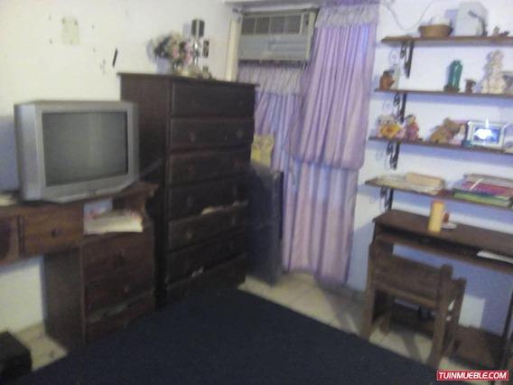 Apartamentos En Venta Urb . El Centro Vanessa 04243219101