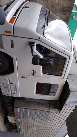 Camión Agrale 6000 Doble Cabina 7 Plaza